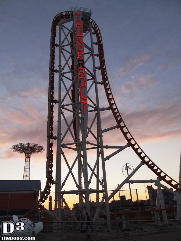 Zumanjaro Roller Coaster